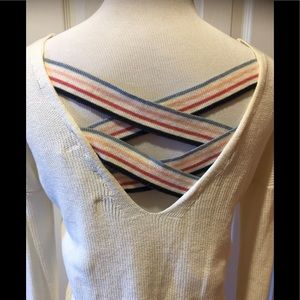 NWOT~Soft Pretty Hippie Rose Back Detailed Sweater